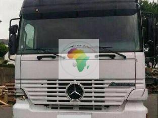 À vendre Mercedes-Benz camionnette 10 roux