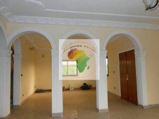 Cameroun, Yaoundé, au quartier Odza ( Borne10). Duplex moderne à vendre.