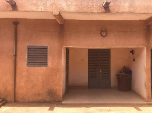 Deux maisons collées à vendre à Sirakoro Bamako