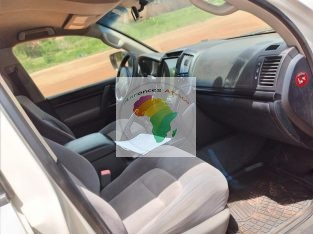 À vendre Toyota land cruiser v8 diesel climatisé
