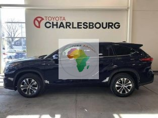 Toyota Highlander XLE, Automatique, Essence