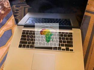 MacBook Pro core i5, écran 15pouce , clavier lumin