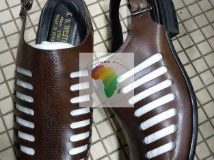 Souliers sandales originales vrai cuir.