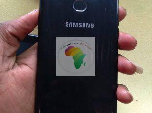 Samsung A10s très propre mémoire 32gb