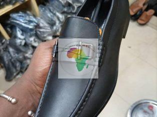 Des chaussures 👞 de qualité disponible