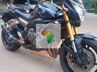 Moto Routière YAMAHA À VENDRE