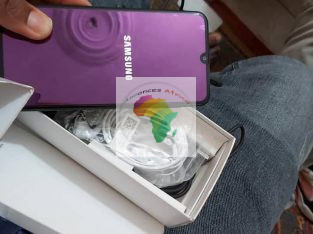 Samsung Galaxy A30 64Go Dans le carton