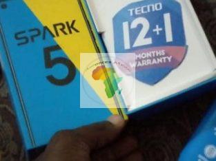 Tecno spark5 très propre qlque jour d'utilisation
